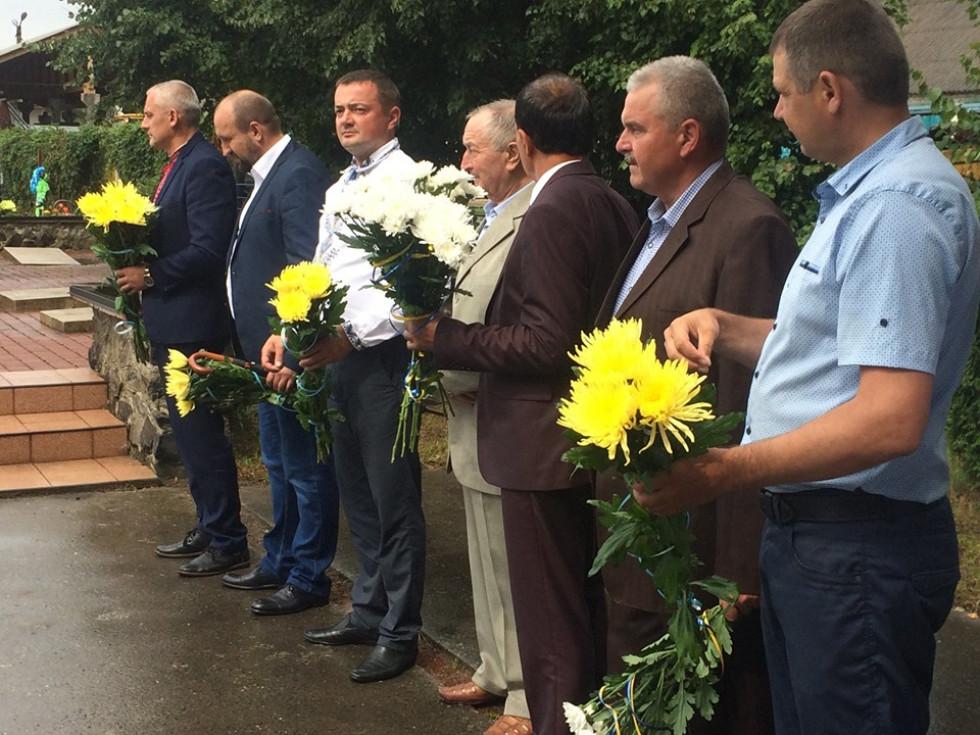 Ратнівчани відзначили 75-ту річницю визволення району від німецько-фашистських загарбників