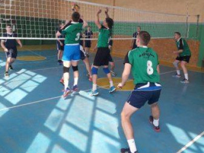 У Турійську пройшли змагання з волейболу