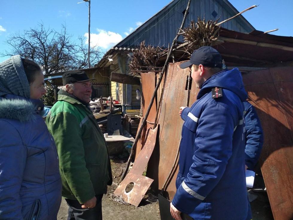 Рятувальники поспілкувалися із жителями села Жиричі