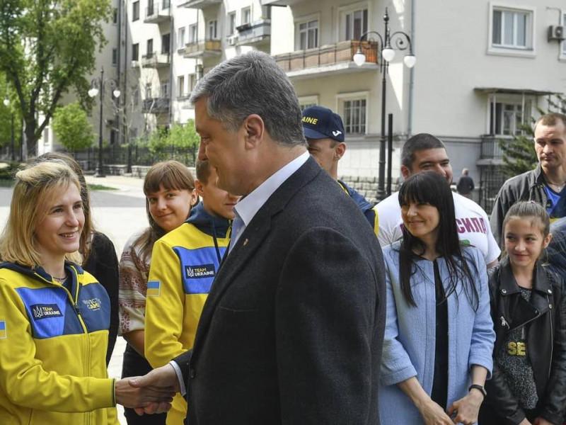 Відома жителька Маневиччини звернулась до Порошенка