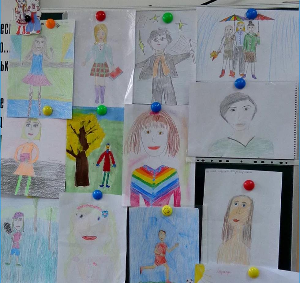 Тематична виставка малюнків