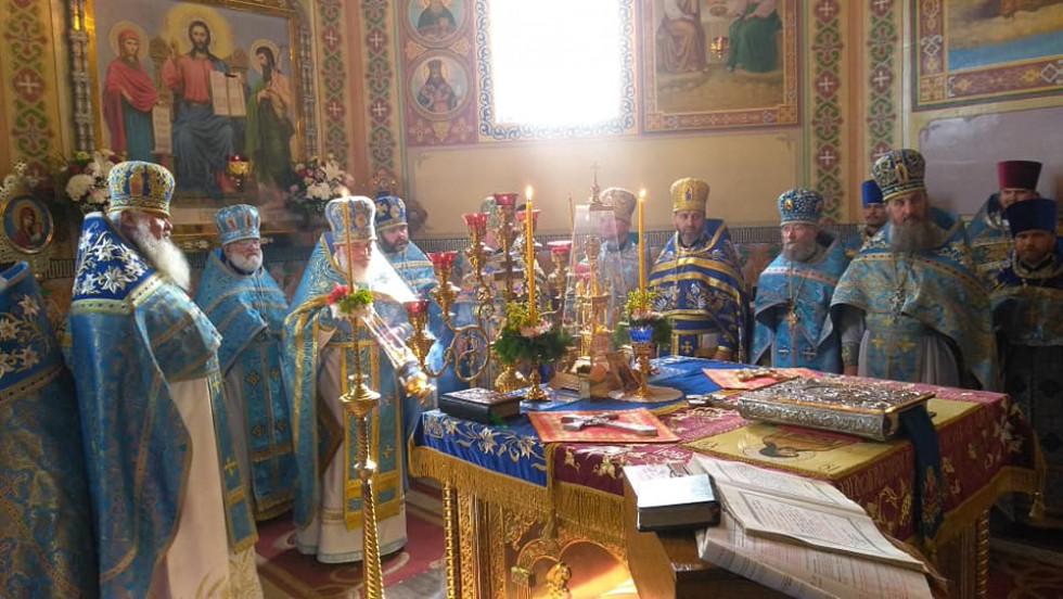 Священики на святковому богослужінні