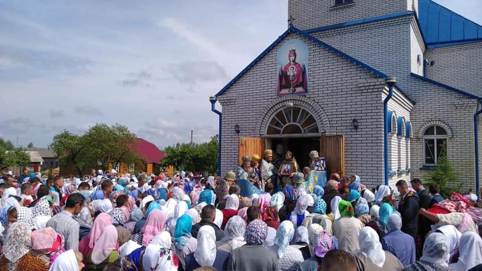 Чимало парафіян прийшло на свято