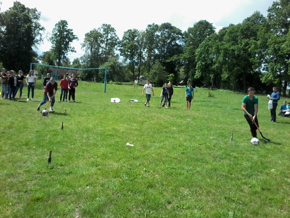 Школярі беруть участь у патріотично-спортивних змаганнях