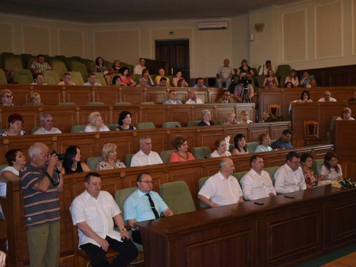 Ратнівського медика відзначили на професійному святі у Луцьку
