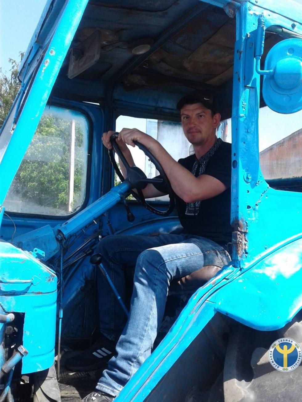 Ратнівський тракторист