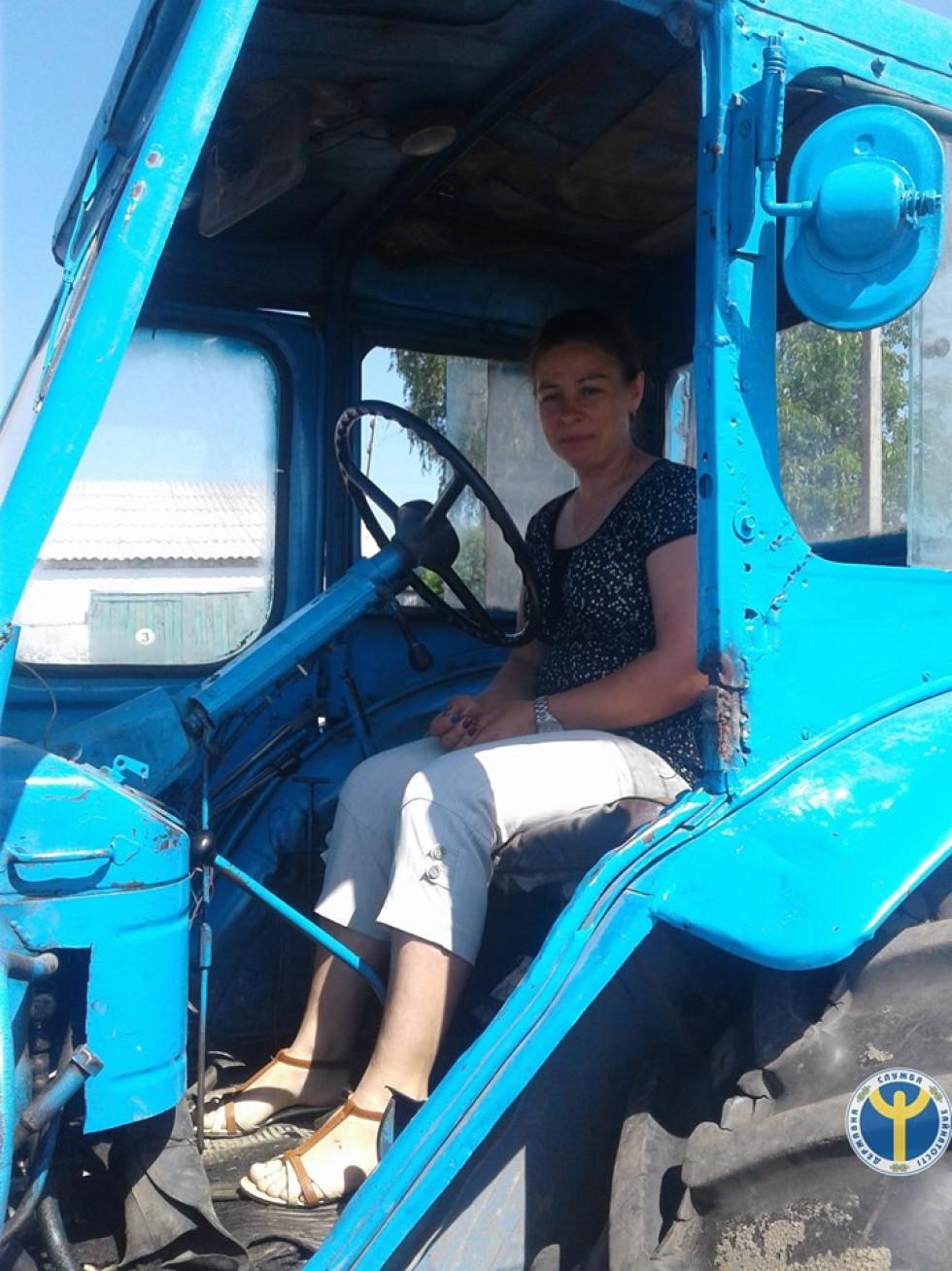 Ратнівська трактористка