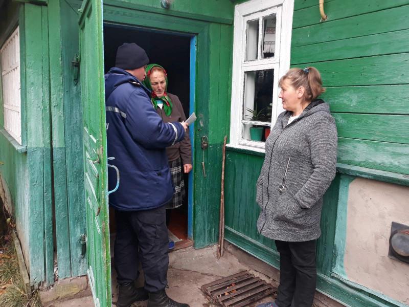 Рятувальники нагадали жителям Велимченської громади правила пожежної безпеки