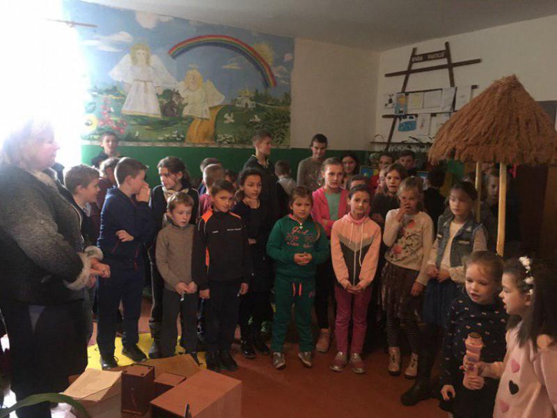 У школі села Якушів організували караоке