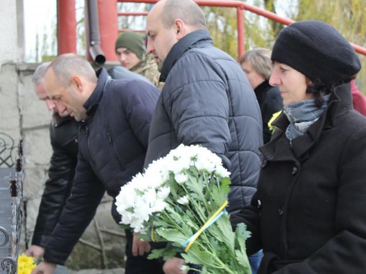 Ратнівчани вшанували загиблих протестувальників Революції Гідності