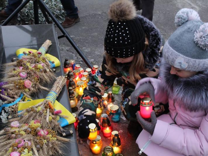У Ратному вшанували заморених голодом українців