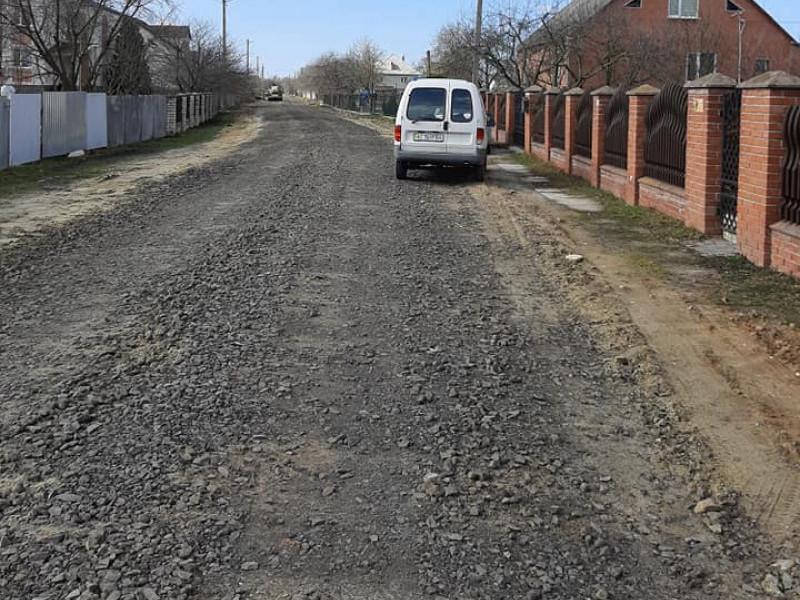 У Ратному триває ремонт вулиці