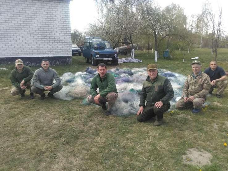 На озері Турське рибоохоронці вилучили понад 100 сіток