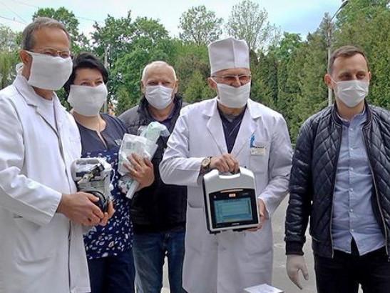 Допомога лікарням