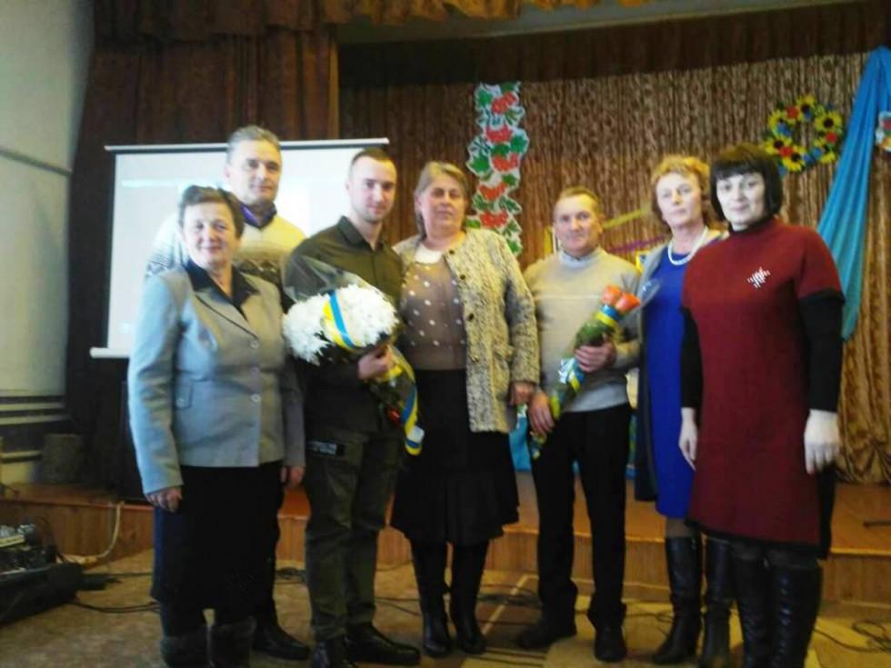 Герой України із вчителями та керівниками Заболоття