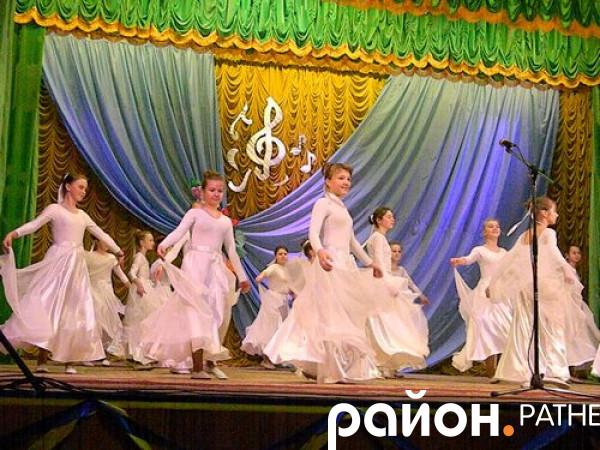 Учасники танцбвального фестивалю