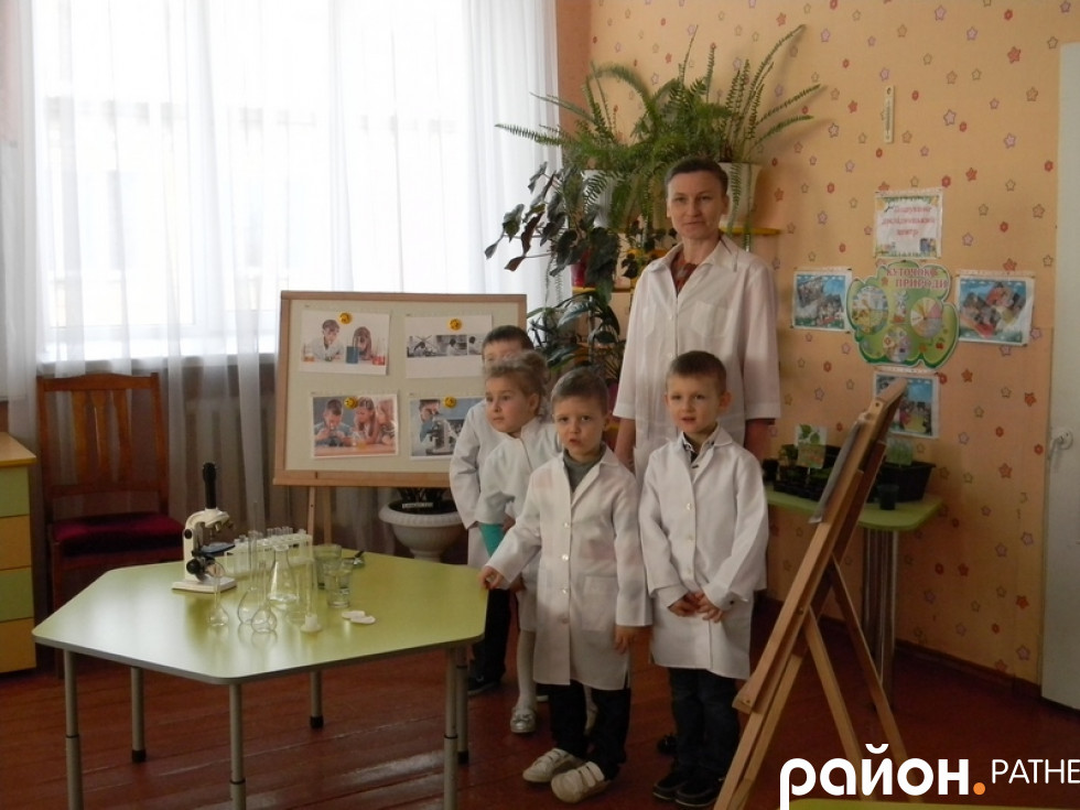 Відвідування дитячої лабораторії «Маленькі дослідники»