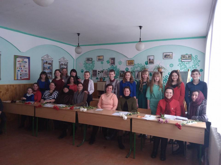 Школярі та їхні матері