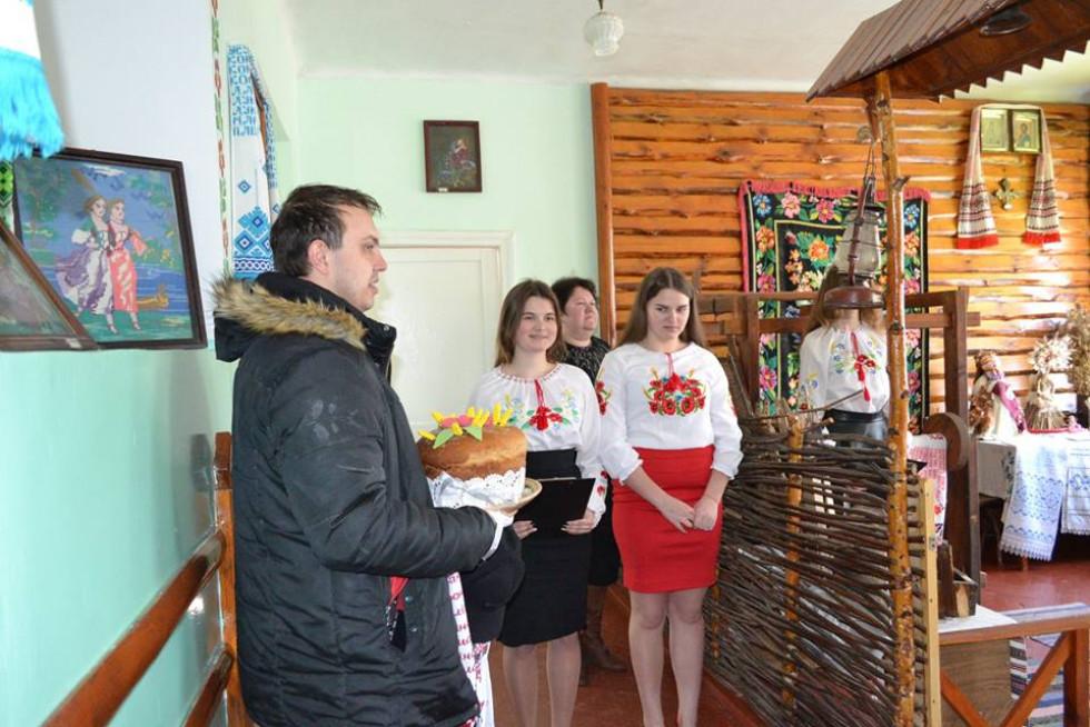 Урочиста зустріч гостей у ратнівській школі