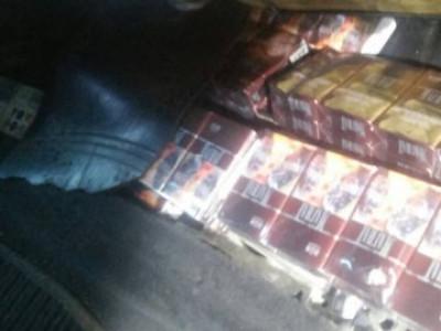 У контробандиста вилучили автомобіль нафарширований цигарками