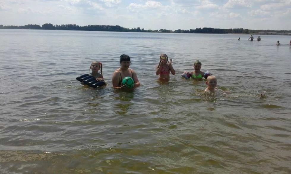 Відпочивальники на озері Радожич