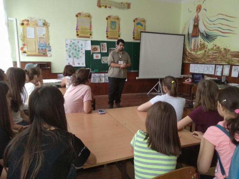 Волонтер із Португалії в гостях у ратнівських школярів