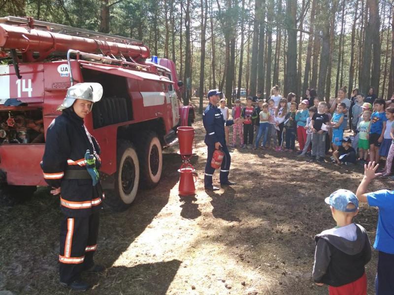 Ратнівські рятувальники побували у наметовому таборі