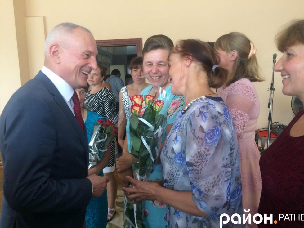 Голова Волинської ОДА та багатодітні матері Ратнівщини
