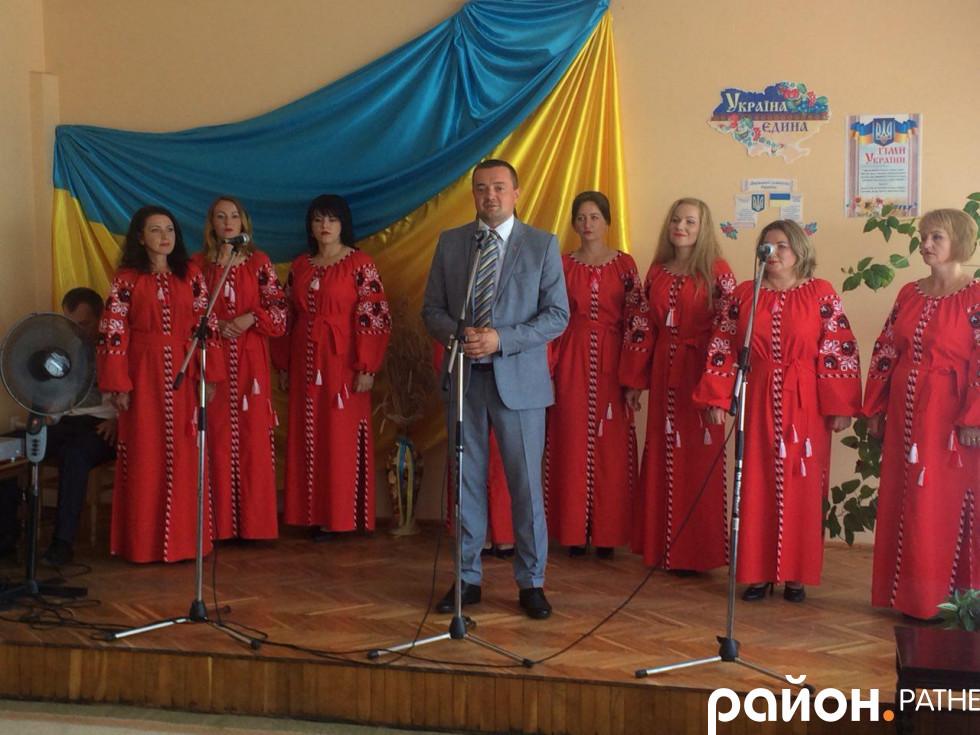 Андрій Харлампович вітає матерів