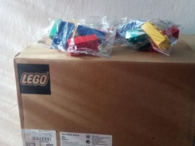 Самарівським першокласникам передали конструктори «LEGO»