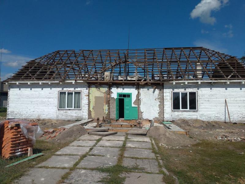 У Залісах ремонтують будинок культури