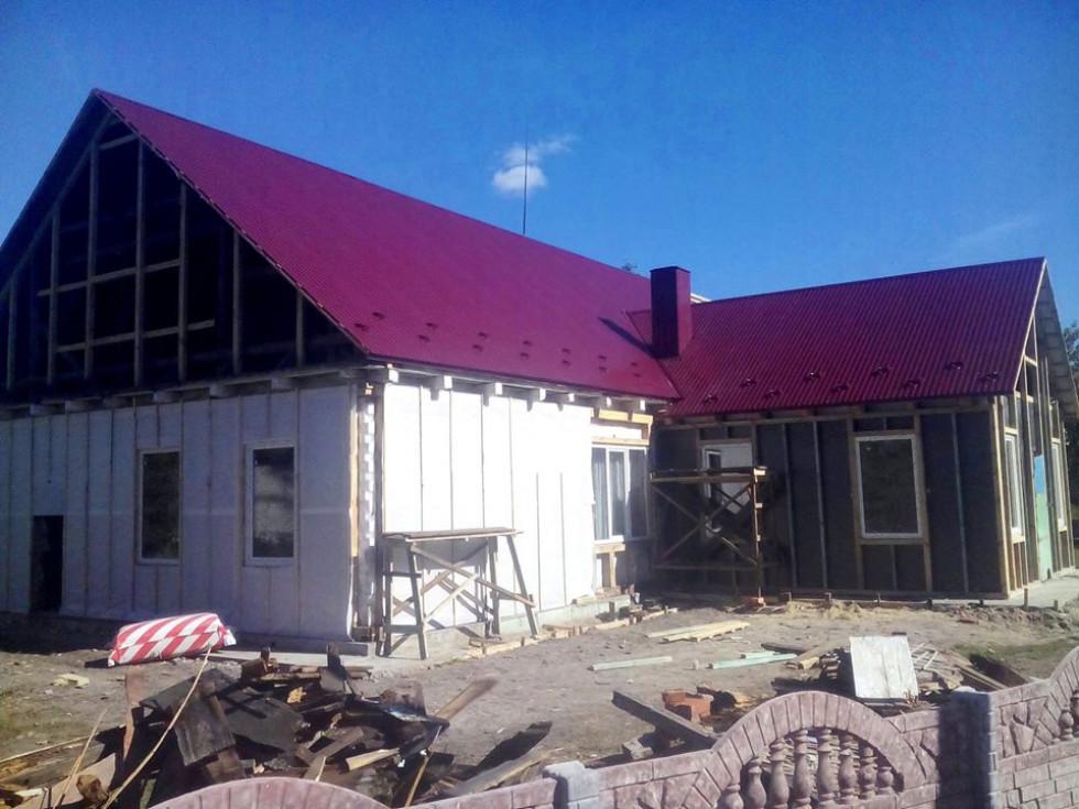 У Залісах активно ремонтують будинок культури