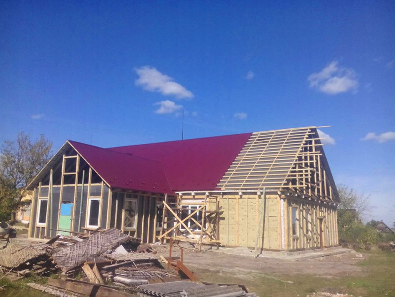У Залісахактивно ремонтують сільський будинок культури