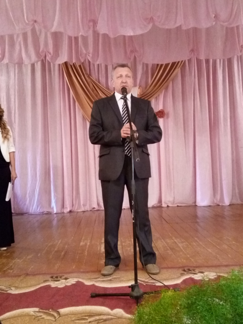 Микола Калачук вітає освітян зі святом