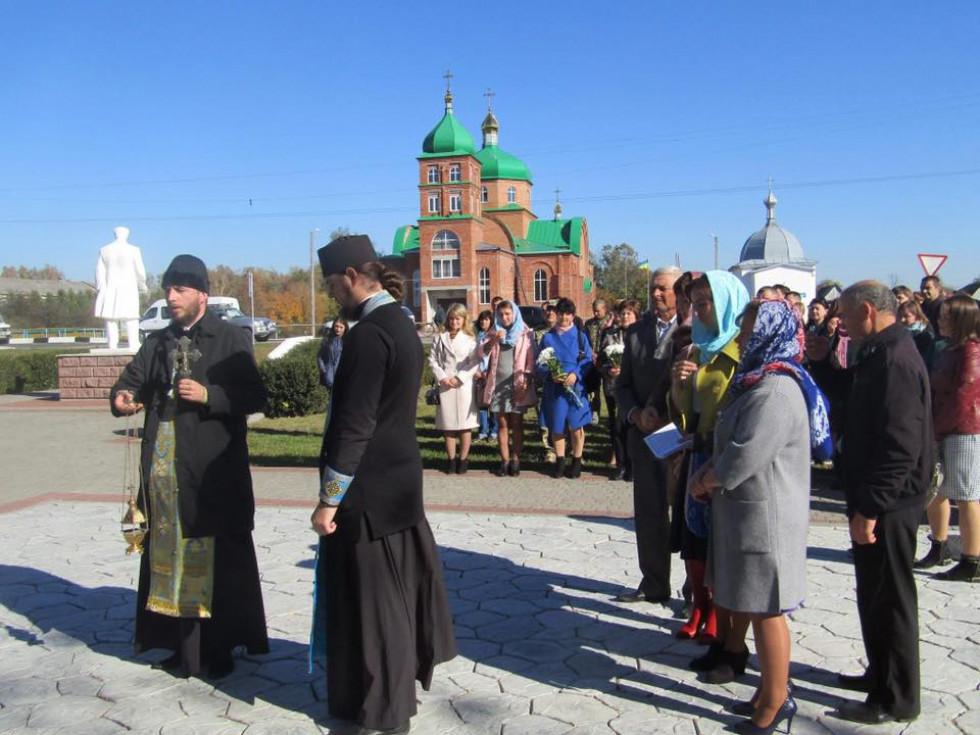 У Ратному вшанували пам'ять борців за свободу і незалежність України