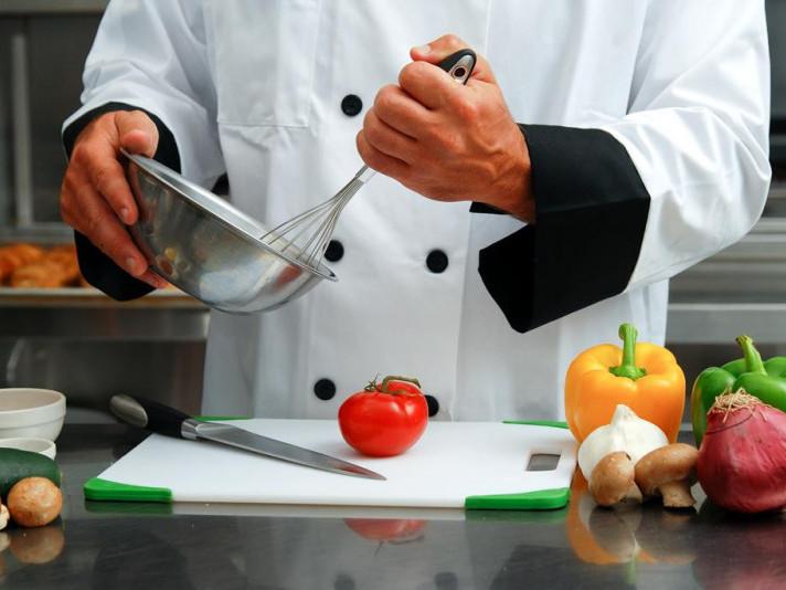 На Ратнівщині шукають кухаря