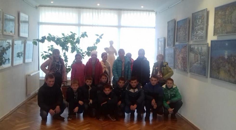 Школярі у музеї