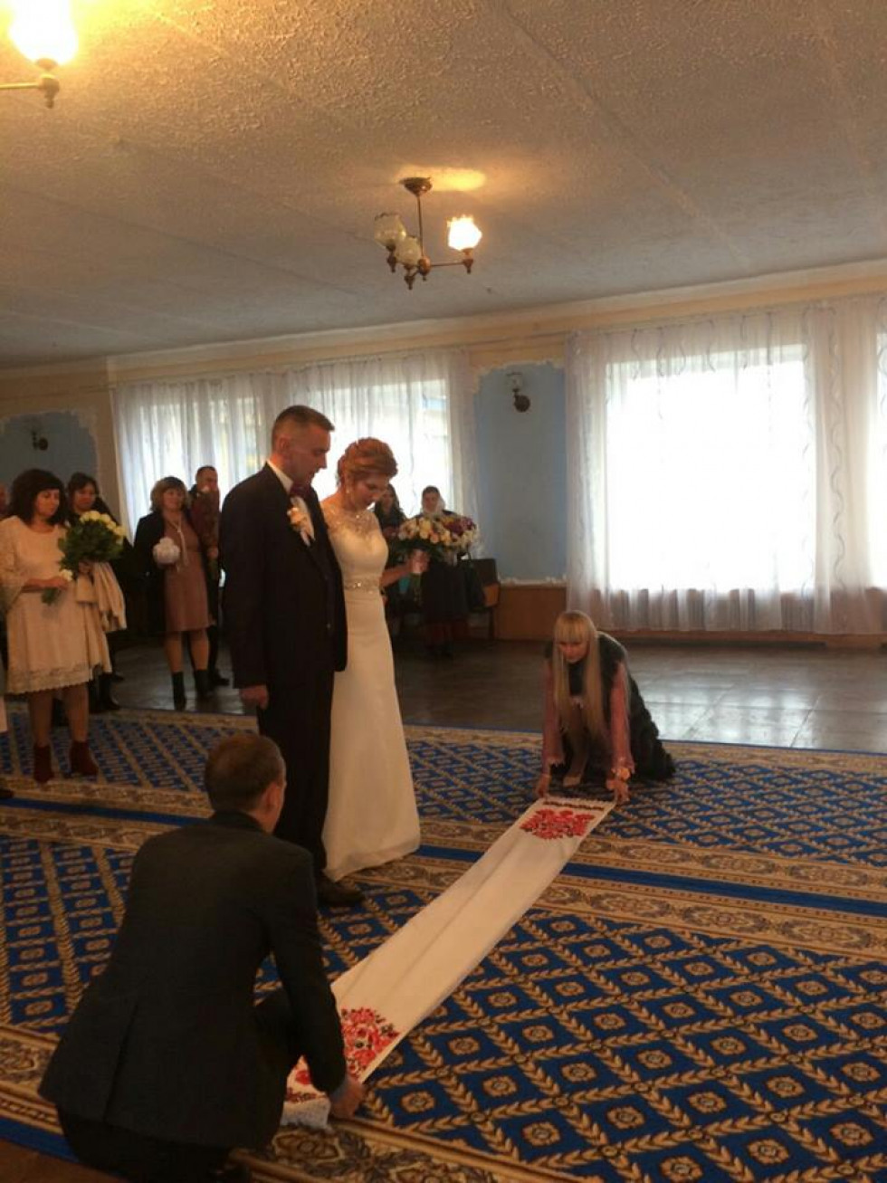 Під час весільної церемонії