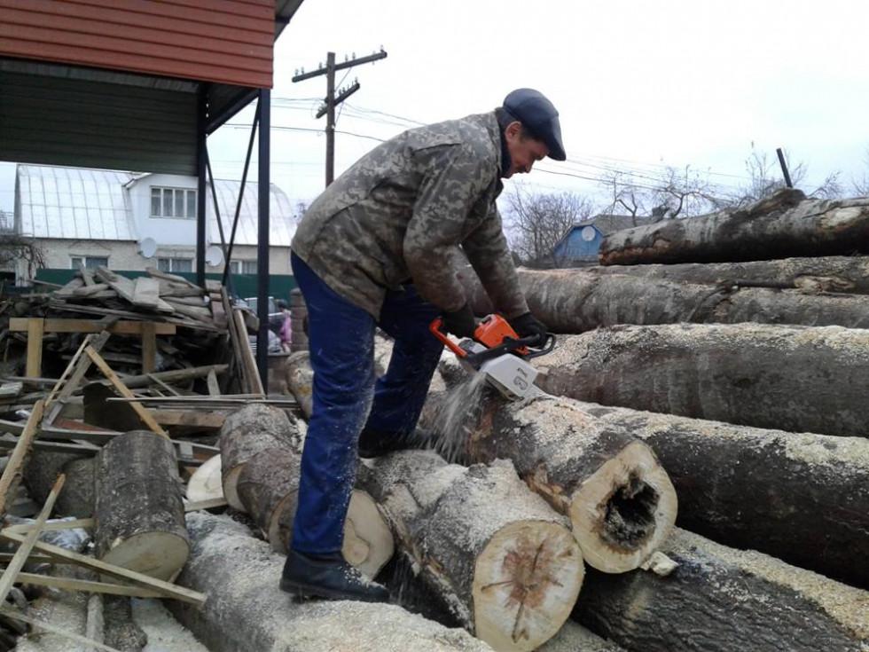 Микола Кирилович під час роботи
