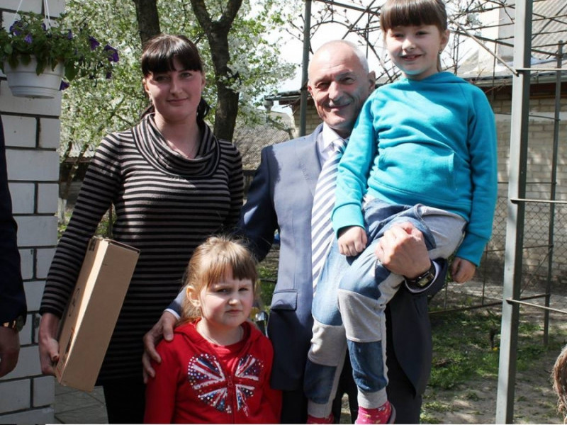 Голова Волинської ОДА та сім'я Тричуків