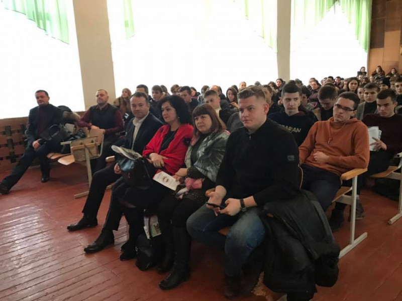 Представники відомих волинських вишів побували на «Ярмарку професій» у Ратному
