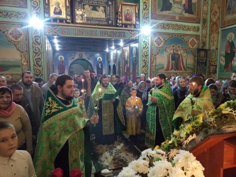 Ухрамі преподобногоАмфілохія Почаївського ратнівчани молилися за мир в Україні.