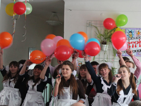 Випускники гірниківської школи