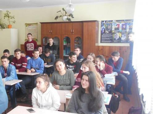 У Самарівській громаді соцпрацівники поспілкувалися зі школярами