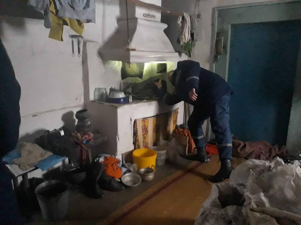 Рятівники перевірять опалення у домівці