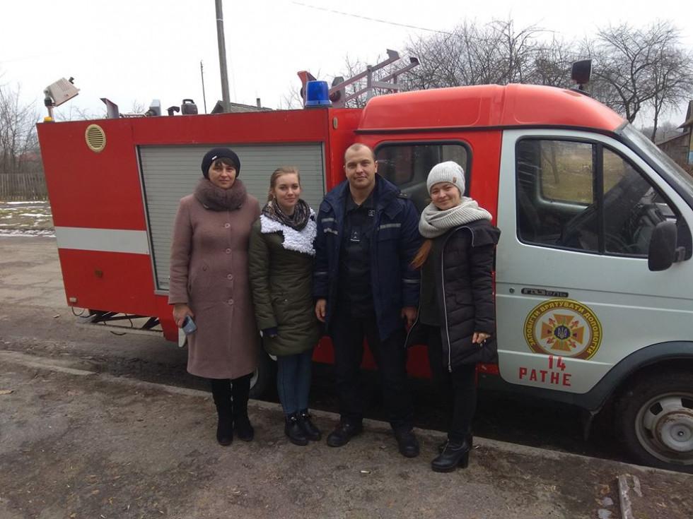 Робоча група служби у справах дітей та рятувальники