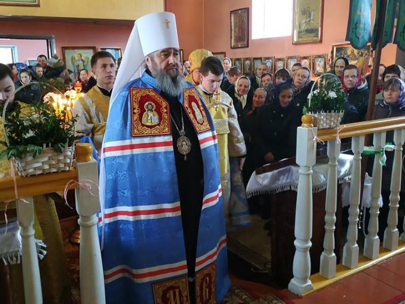 На молитву у Залухів приїхав митрополит Володимир