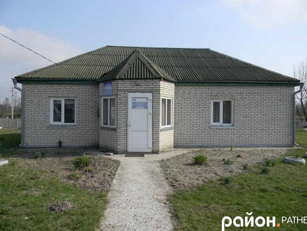 Фельдшерсько-акушерський пункт у селі Лучичі